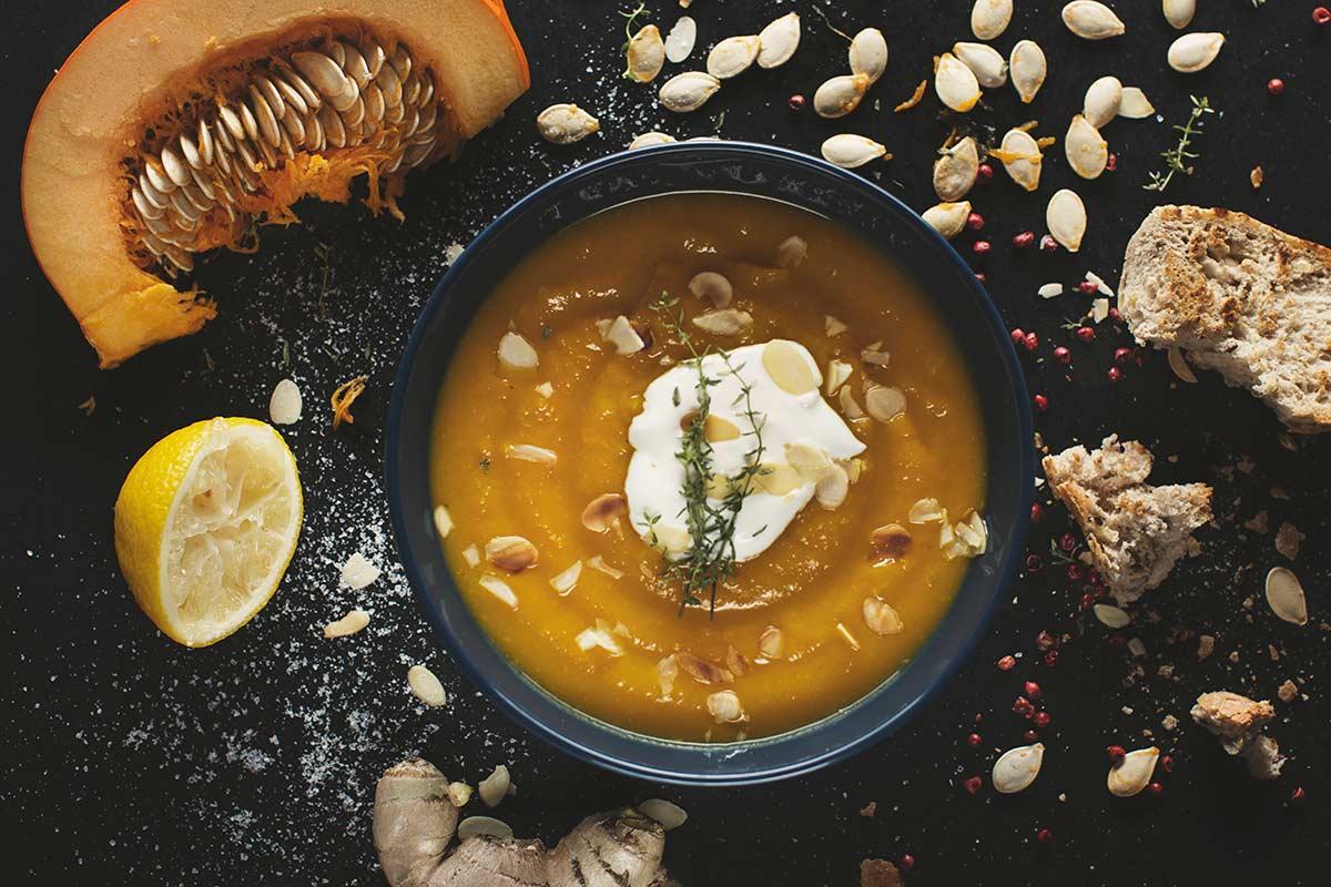 Zupa z pieczonej dyni na ostro