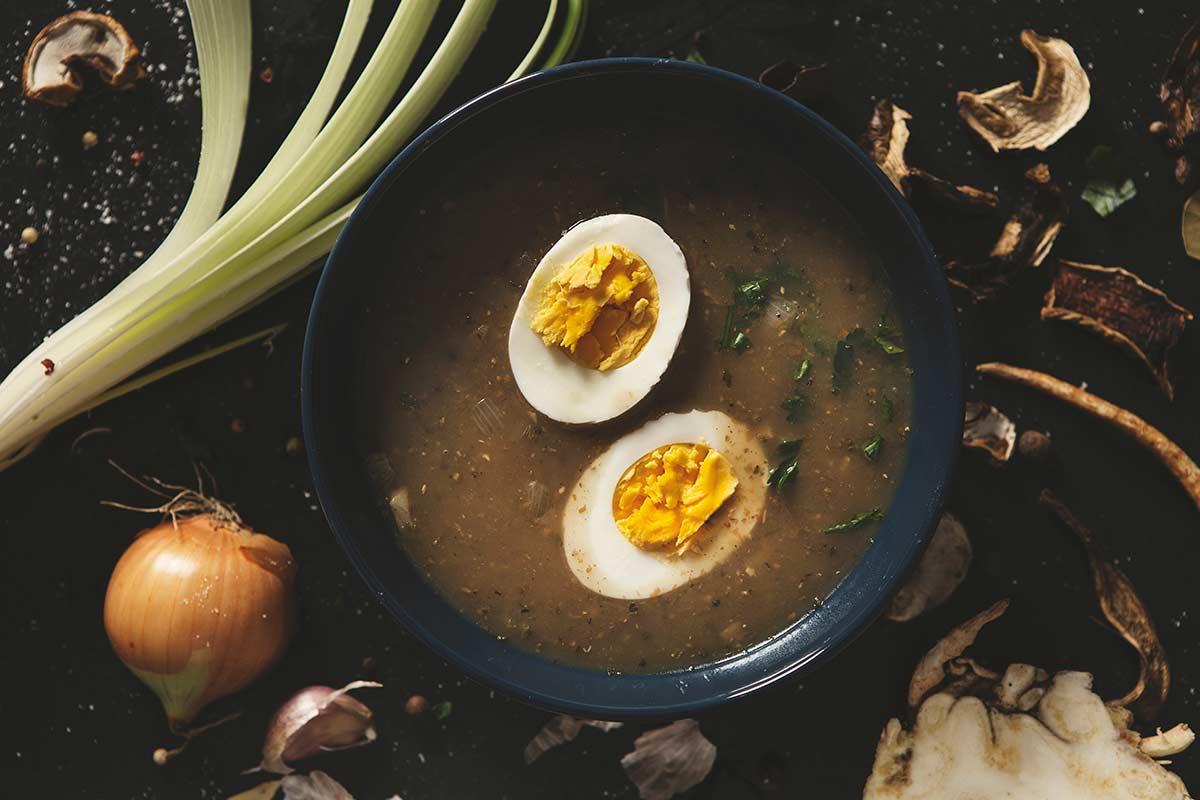 Żurek na zakwasie z jajkiem