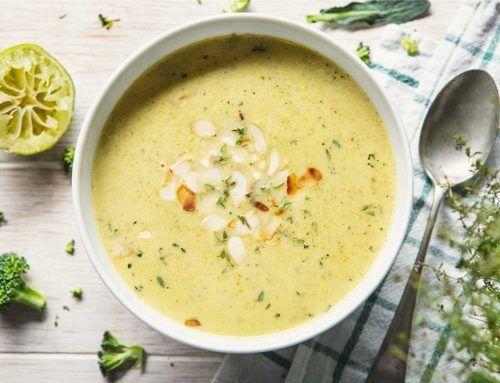 Zupa – krem z brokułów z mlekiem kokosowym