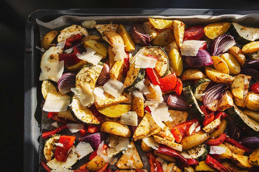 Absolutnie dobre - Pieczone warzywa z parmezanem