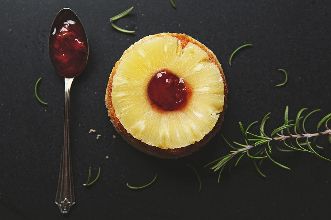 Absolutnie dobre - Smażony camembert z ananasem i konfiturą
