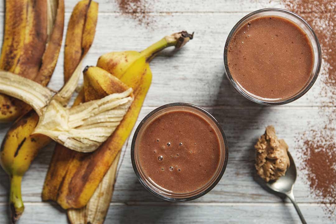 Absolutnie dobre - Smoothie bananowe z masłem orzechowym i kakao