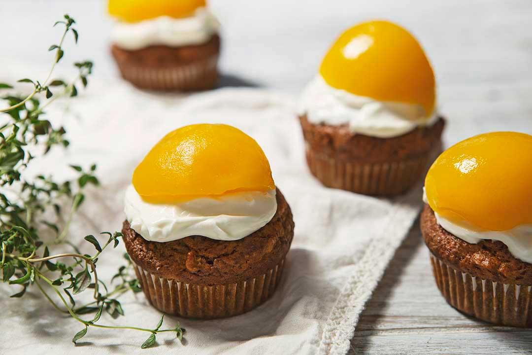 Absolutnie dobre - Muffiny z batatów z serkiem mascarpone i brzoskwinią