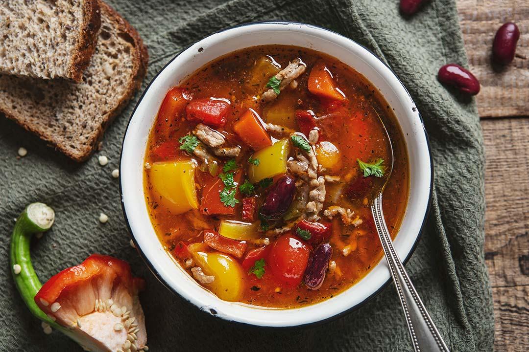 Absolutnie dobre - Rozgrzewająca zupa z mięsem mielonym