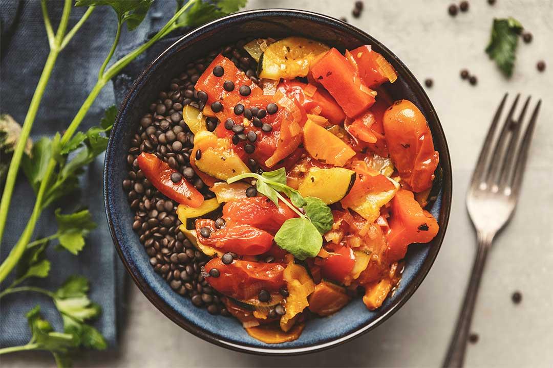 Absolutnie dobre - Warzywna potrawka z czarną soczewicą