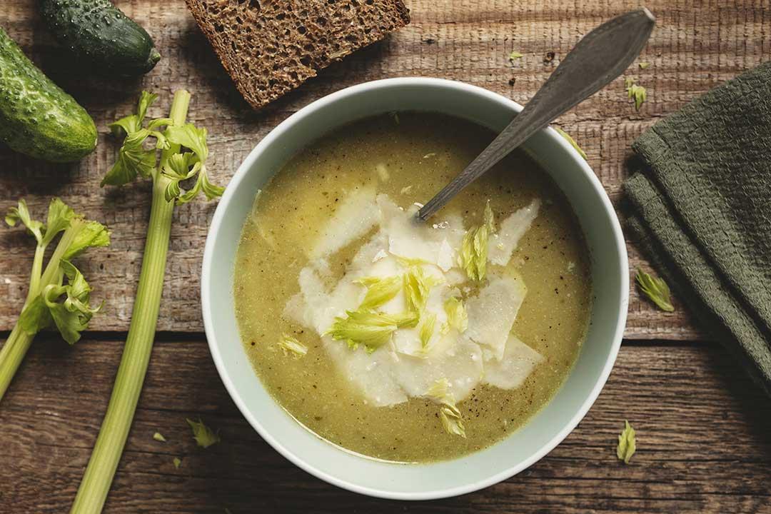 Absolutnie dobre - Zupa krem ze świeżych ogórków z parmezanem