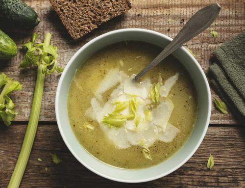 Zupa krem ze świeżych ogórków z parmezanem
